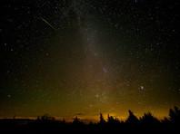 Специалисты при этом советуют наблюдать звездопад вдали от городских огней - тогда есть шанс увидеть не только самые яркие, но и множество более слабых метеоров