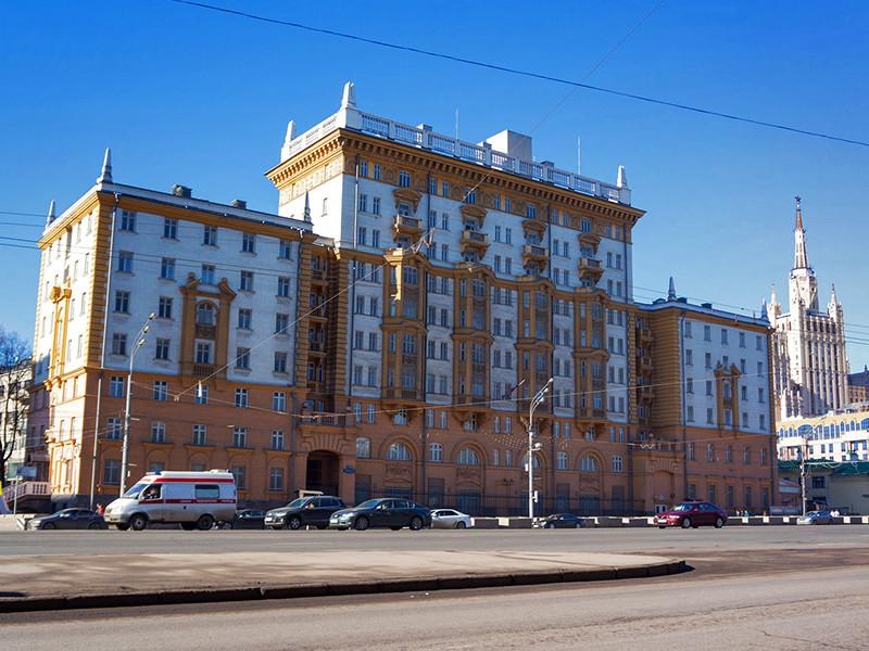 В Российском союзе туриндустрии заметили стремление туристов оформить документы заранее из-за опасения задержек с их выдачей