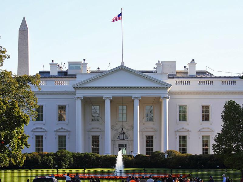 """Российские чиновники находятся в затруднении из-за кадровых изменений, интриг и расследований в Белом доме, сообщает Reuters. Источники агентства называют эти перестановки """"мыльной оперой"""""""