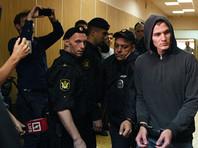 23-летний москвич Корней Макаров сначала скрывался от следователей, но потом накануне сам пришел к ним в сопровождении адвоката