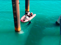 Спасатели возобновили поисковые работы на месте падения автобуса в море на Кубани