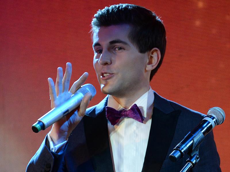 По информации РБК, телеканал уже приступил к съемкам эфирного выпуска телепередачи, а ее новым ведущим станет Дмитрий Борисов