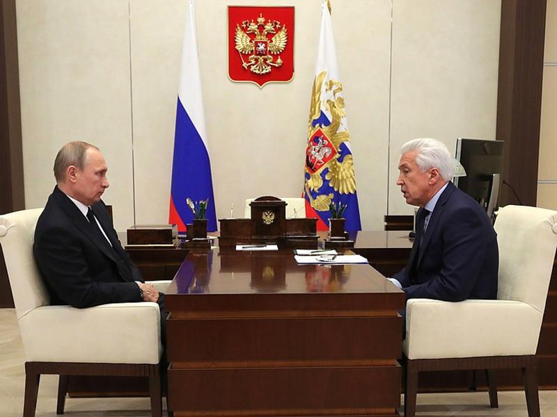 """""""В осеннюю сессию нужно будет работать над законом о бюджете. Здесь предстоит большая работа, и мы с вами еще неоднократно пообсуждаем эти вопросы"""", - сказал Путин Васильеву"""