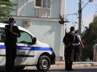 В Симферополе задержали участников одиночных пикетов в поддержку арестованного пенсионера с болезнью Паркинсона