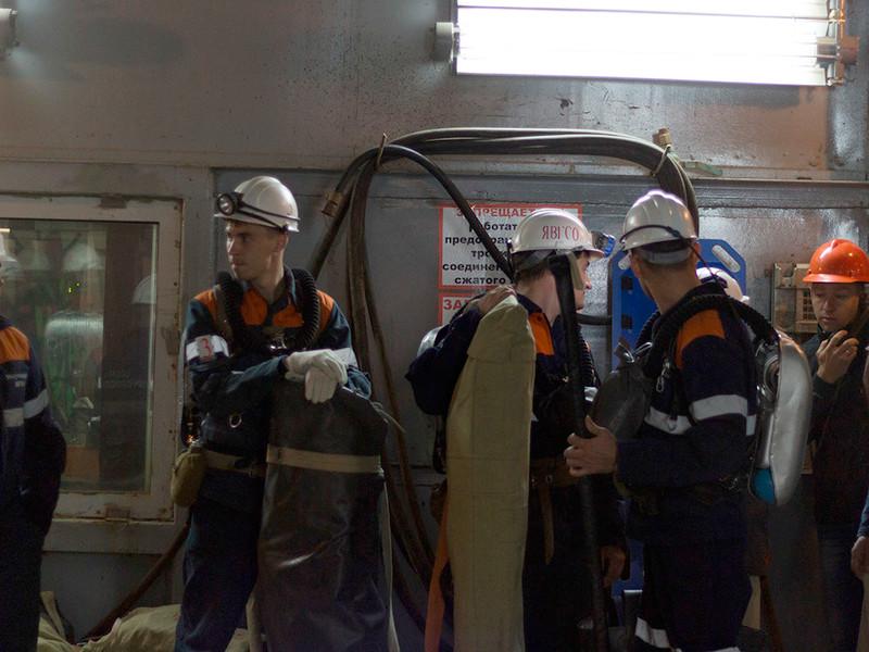 """ЧП на шахте """"Мир"""" в Якутии: более 150 горняков оказались под землей после затопления рудника"""