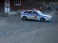 При этом в ведомстве отметили, что обстрел машины произошел на дороге, ведущей в Северную Осетию