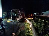 Под Калининградом в пятницу вечером произошло лобовое столкновение маршрутки с внедорожником Mercedes. Погибли семь человек, еще девять пострадали