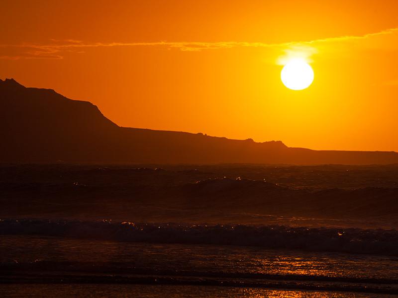 Новые вспышки на Солнце уже ничем не угрожают землянам - звезда отвернулась от Земли на 2-3 недели