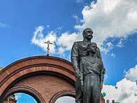 В Новосибирске восстановили изрубленный топором памятник Николаю II и цесаревичу Алексею