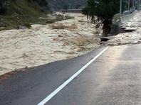 В ночь на 1 сентября селевой поток по ущелью Адыл-су в Эльбрусском районе Кабардино-Балкарии сошел в Баксанское ущелье, где в нескольких местах смыл федеральную дорогу Прохладный-Азау, а также три пешеходных моста
