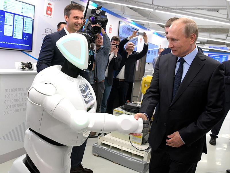 Российские IT-компании должны переходить на отечественное программное обеспечение (ПО), если они хотят сотрудничать с государством и получать госзаказы