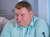 Бывший редактор и чемпион высшей лиги КВН 2011 года, автор кавээновских номеров Дмитрий Колчин в интервью YouTube-каналу Wanna Banana заявил, что в КВН пропали авторы, которые пишут шутки о президентах, и рассказал о многоступенчатом цензурировании номеров