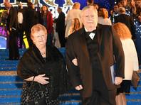 Посол США в России Джон Теффт вместе с супругой покинет Россию через неделю. Об этом он сам сообщил в видеоинтервью на сайте посольства