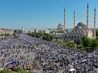 В Грозном тысячи людей вышли на митинг против преследования  мусульман в Мьянме