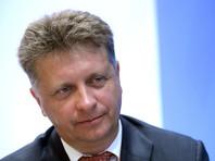 """""""Если справитесь с этой ситуацией быстро и эффективно, тогда мы подумаем с Дмитрием Анатольевичем, что делать вот с этим неполным служебным соответствием, если не справитесь, то тоже подумаем"""", - пообещал Путин Максиму Соколову"""