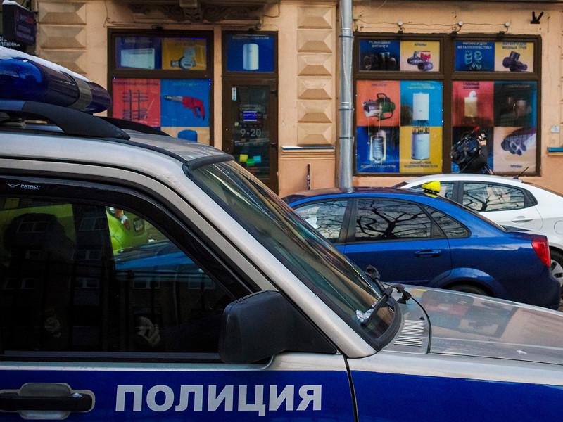 В Петербурге арестовали двух сотрудников уголовного розыска, подозреваемых в пытках задержанных. Всего по делу проходят шесть человек, сообщается на сайте ГСУ СК по Санкт-Петербургу