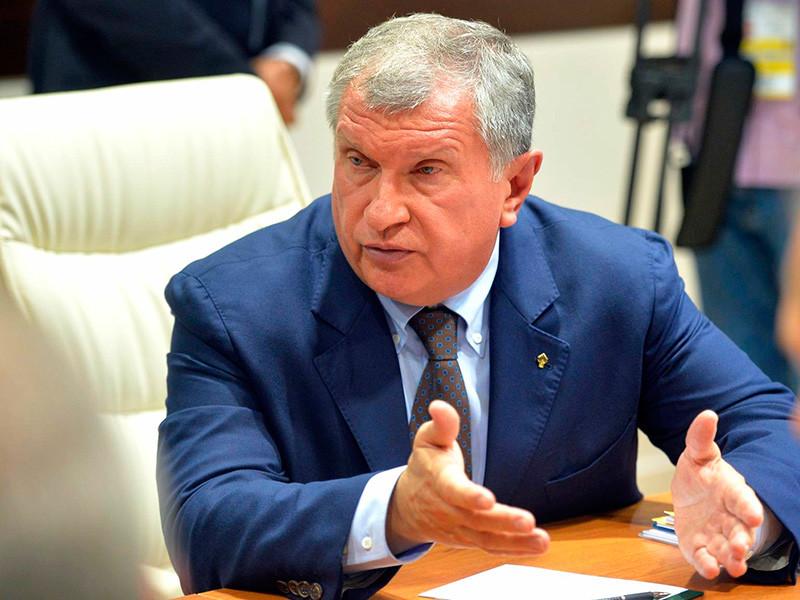 """Глава """"Роснефти"""" Игорь Сечин не считает нужным обсуждать дело экс-министра Алексея Улюкаева, поскольку, на его взгляд, было совершено преступление"""
