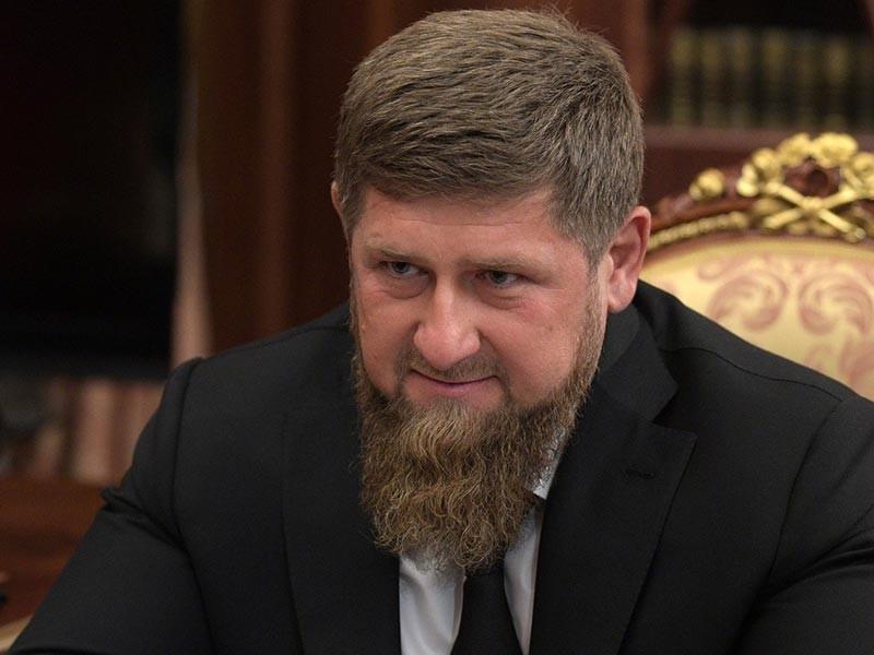 Глава Чечни Рамзан Кадыров назвал позерством и рекламой поведение молодого человека, который на размещенном в интернете видео бьет по лицу буддиста. Об этом политик заявил в своем Telegram-канале
