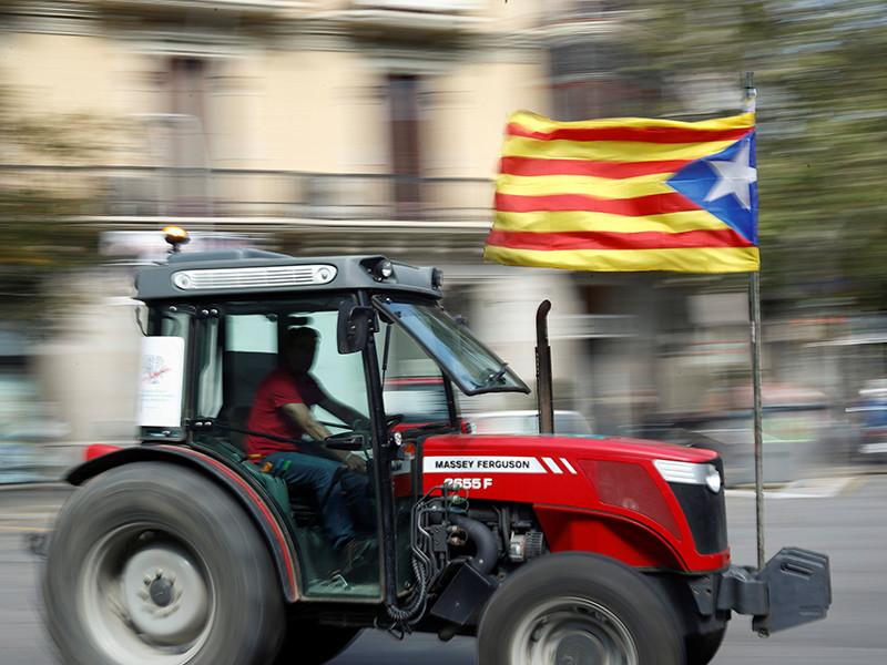 Москва, обвиненная в поддержке сепаратизма Каталонии, считает незаконным референдум о независимости автономии от Испании