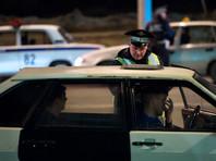 Правоохранительные органы просят белогорцев сообщать на телефон оперативного дежурного о подозрительном лице в военной форме и с оружием в руках. Власти опасаются возможного захвата заложников