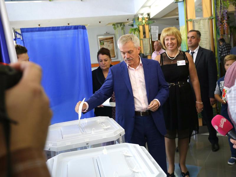 Так, действующий губернатор Белгородской области Евгений Савченко, возглавляющий Белгородскую область уже 24 года, вновь победил на губернаторских выборах, набрав 69,29% голосов