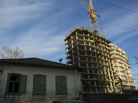 Как напомнил РБК официальный представитель надзорного ведомства Александр Куренной, региональная адресная программа по переселению из аварийного жилищного фонда была рассчитана на период с 2008 по 2015 год, позднее она была продлена до 2017 года