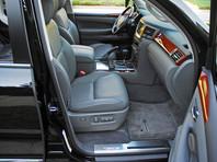 В материалах одного из уголовных дел говорится о том, что в конце февраля уроженец Азербайджана Адалат Ганбаров сообщил в полицию Красногвардейского района Санкт-Петербурга об угоне черного Lexus LX570