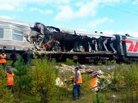 """Водитель врезавшегося в поезд """"КамАЗа"""" мог уснуть за рулем"""