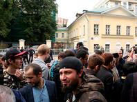 В воскресенье, 3 сентября, стихийный митинг протеста против действий правительства Мьянмы прошел в Москве. Сотни мусульман перекрыли Большую Никитскую улицу. Власти не стали разгонять мероприятие