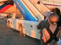 В Петербурге умерла упавшая с трапа самолета девочка