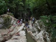 Кандидатов в губернаторы РФ заставляют прыгать в воду с семиметровой скалы