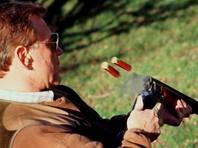 Тульский егерь на охоте убил из охотничьего ружья грибника, спутав его с кабаном, сообщает Следственное управление СК по области. Дело возбуждено по факту причинения смерти по неосторожности