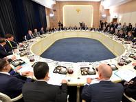 Путин привел на встречу с немецкими бизнесменами в Сочи президента Казахстана