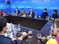 Путин рассказал молодежи о работе на благо других и предложил задуматься о частично платной медицине в России