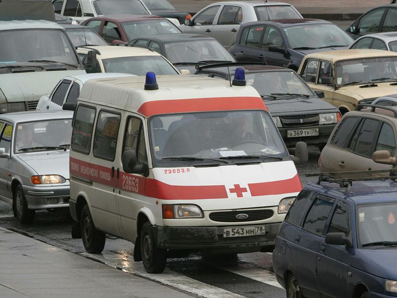 Уполномоченный по правам человека в Санкт-Петербурге Александр Шишлов сообщил о том, что местные следователи не связывают опоздание машины скорой помощи к умершей пациентке 7 октября и проходившие в этот день в городе акции протеста сторонников оппозиционера Алексея Навального