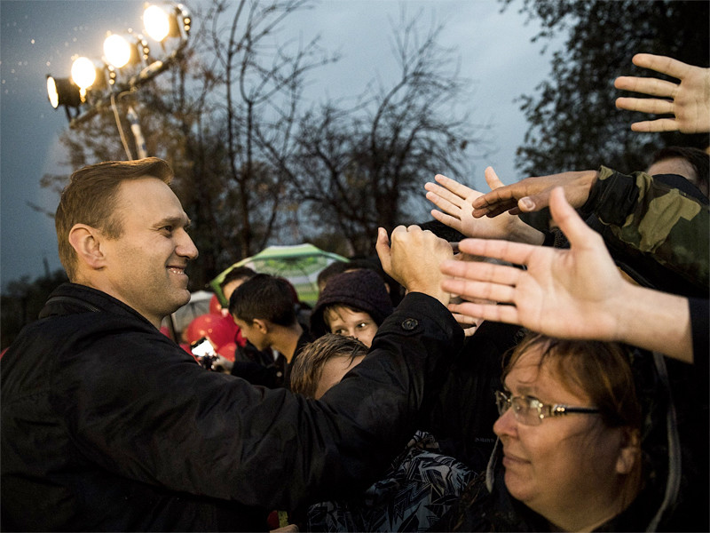 Политик Алексей Навальный не имеет законных оснований участвовать в выборах президента России в марте 2018 года, сообщила, отвечая на вопрос ТАСС, начальник управления Генпрокуратуры РФ по надзору за соблюдением прав и свобод граждан Лариса Коптева
