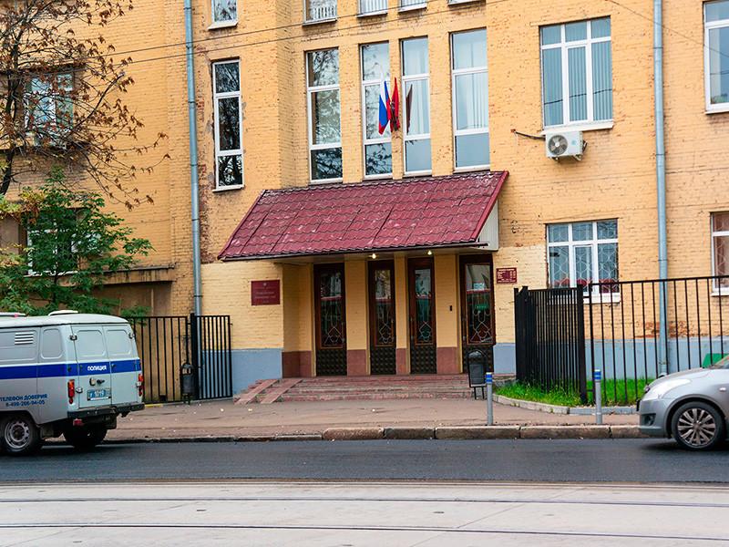 Мещанский суд Москвы в понедельник, 2 октября, отправил под арест двоих уроженцев Дагестана, задержанных по подозрению в подготовке терактов в Московском регионе