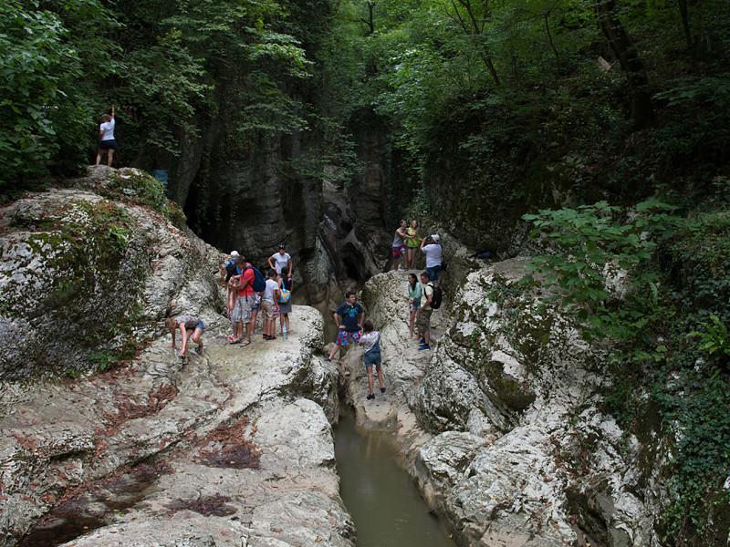 Агурский водопад в Хостинском районе города Сочи