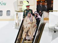 У короля Саудовской Аравии при прилете в Москву сломался эскалатор, заменяющий трап (ВИДЕО)