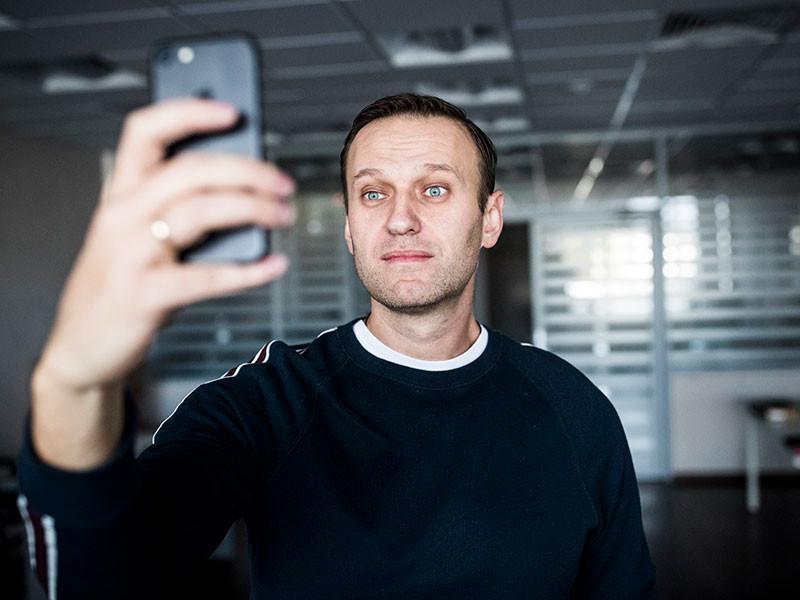 Навальный в первый же день на свободе отправляется на митинг в Астрахань