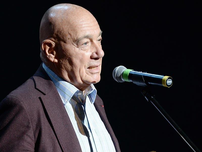 Телеведущий Владимир Познер объяснил, зачем россиянам на президентских выборах голосовать за Ксению Собчак: это покажет власти, сколько в стране недовольных