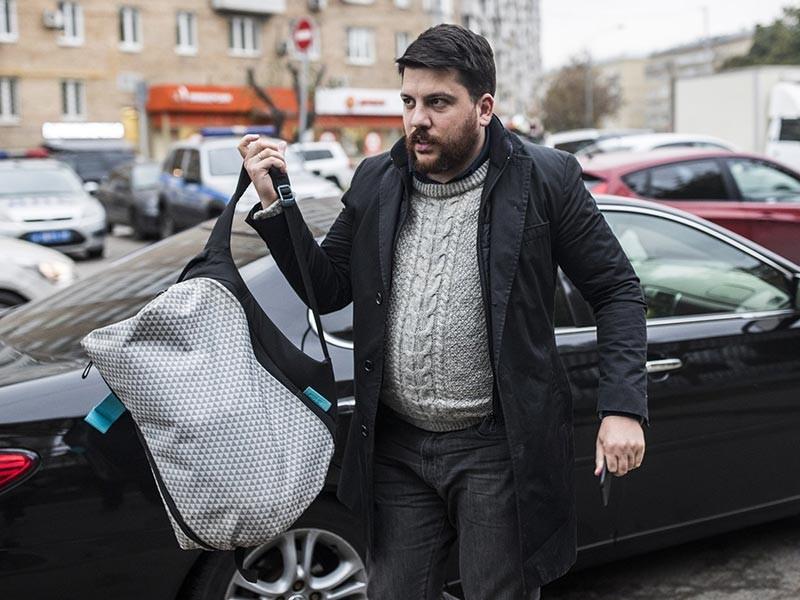 Савеловский суд Москвы в понедельник, 2 октября, признал Леонида Волкова, возглавляющего предвыборный штаб оппозиционного политика Алексея Навального, виновным в неоднократном нарушении организации проведения митингов и демонстраций