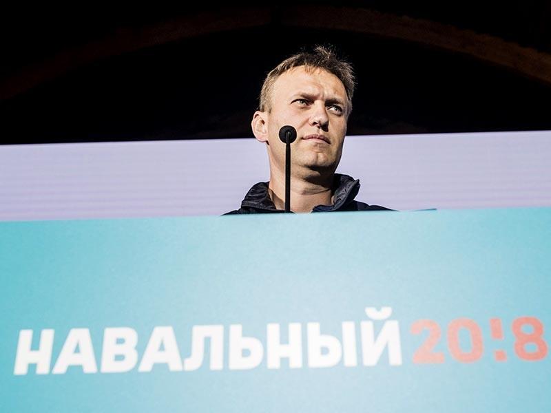 Оппозиционный политик Алексей Навальный, призвал всех желающих принять участие во всероссийской акции в свою поддержку в качестве кандидата в президенты РФ. Мирные пикеты состоятся в городах России 7 октября