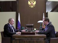 Несколько человек в ближайшем окружении Путина сообщили агентству, что с приближением даты выборов активизировались лоббисты, выступающие за замену нынешнего главы правительства Дмитрия Медведева более сильным управленцем