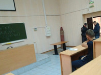 Студента, участвовавшего в пикете в поддержку Навального в Новосибирске, задержали на лекции