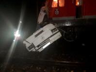 Во Владимирской области поезд врезался  в пассажирский автобус: погибли 16 человек
