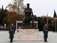 Автор памятника Александру III не собирается ничего менять
