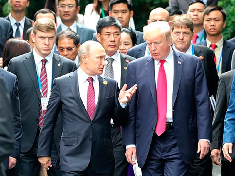 Полноформатные переговоры президентов России и США Владимира Путина и Дональда Трампа не состоялись из-за нетипичных требований, выдвинутых американской делегацией, сообщил пресс-секретарь Путина Дмитрий Песков журналистам. По его словам, американцы не продемонстрировали гибкости