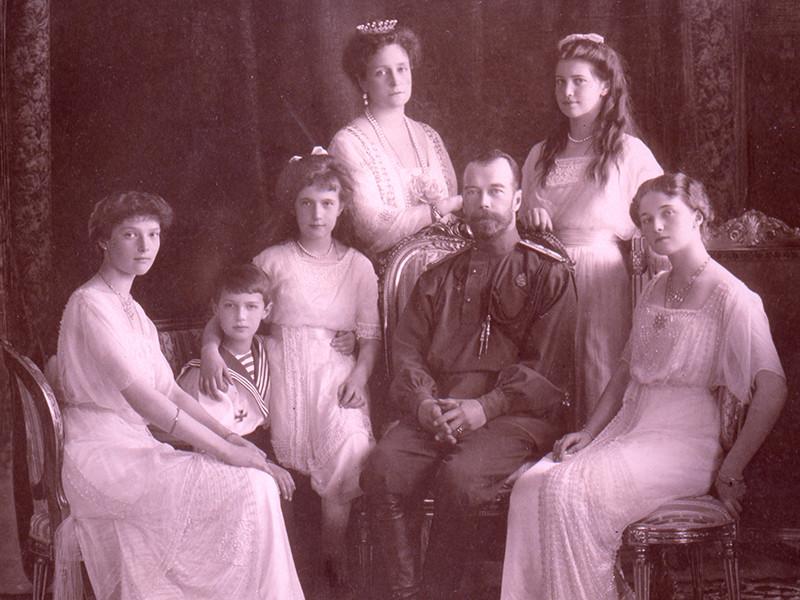 """Судебные эксперты о предполагаемых захоронениях детей Николая II: """"Около 100 грамм костных останков и 20 грамм зубов"""""""
