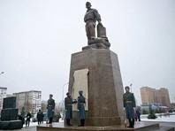 В Оренбурге открыли памятник вызвавшему на себя огонь в Пальмире спецназовцу Прохоренко